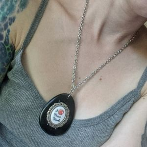 Tarina Tarantino I love New York Cameo necklace